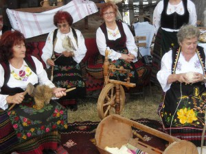 Knitters and weavers
